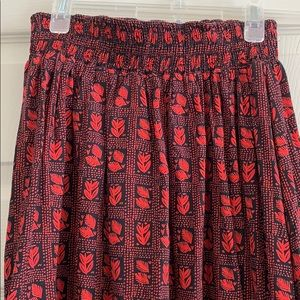 Dresses & Skirts - Red and Black Full Rayon Skirt with pockets!